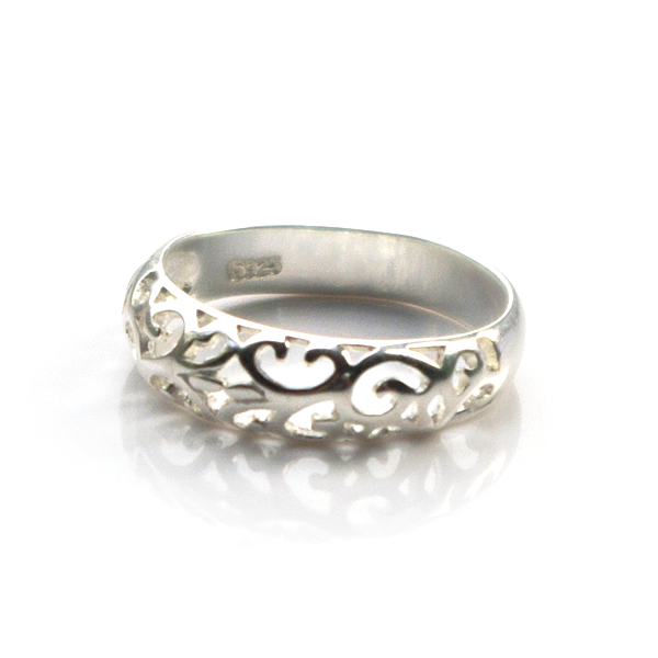 silver-celtic-ring